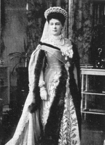 Vestido oficial de los Romanovs 2420997590094285158kAHvfA_ph