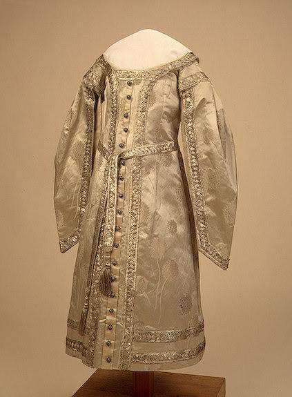 Vestido oficial de los Romanovs CeremonialDressofOneofNicholasIIsDa