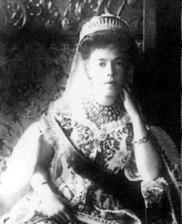 Vestido oficial de los Romanovs GDOlgaACourtdress