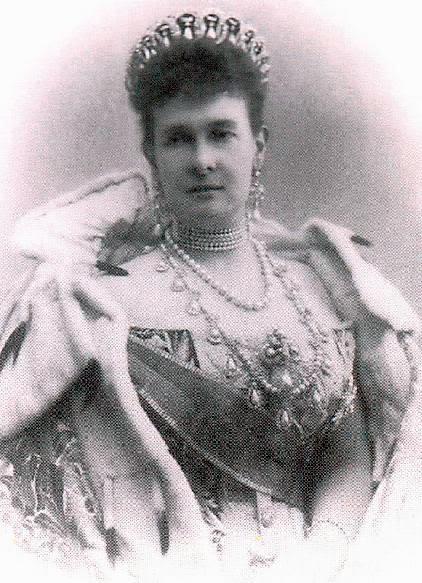 Vestido oficial de los Romanovs Mariemecklenburg1854