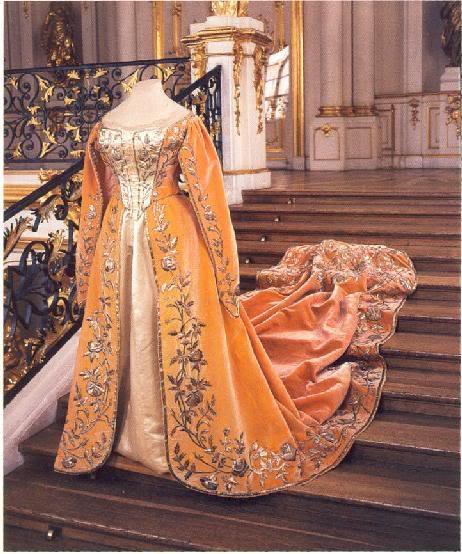 Vestido oficial de los Romanovs Courtdress1