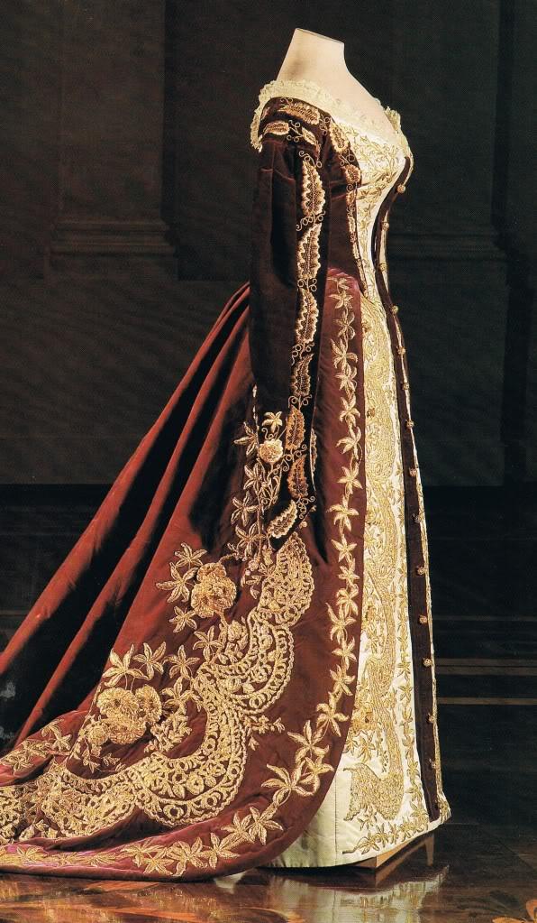 Vestido oficial de los Romanovs - Página 5 Crtgown001