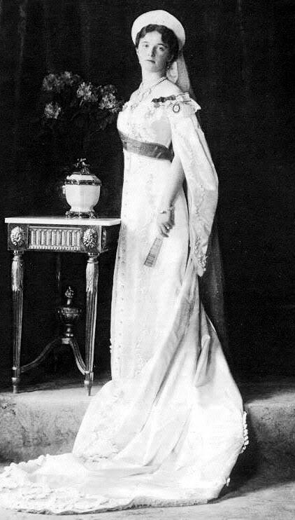 Vestido oficial de los Romanovs Oformal2