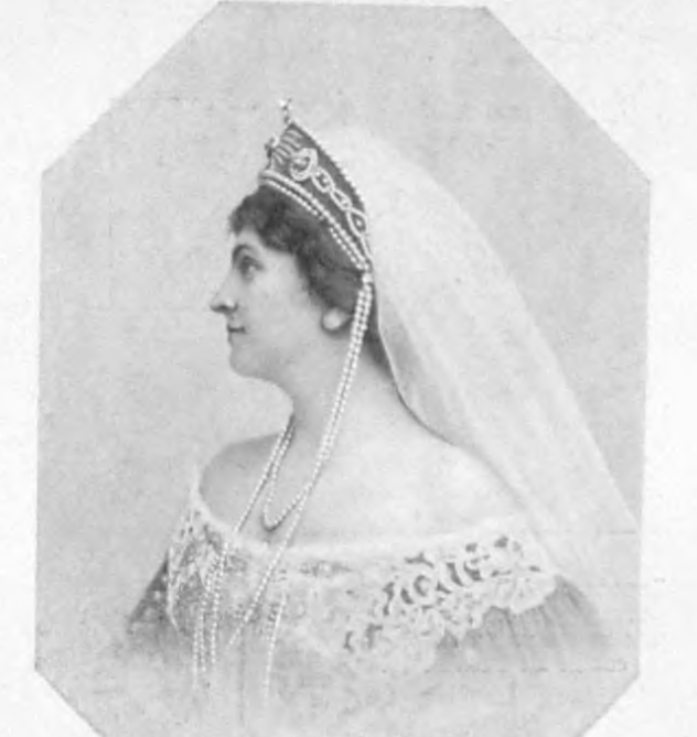 Vestido oficial de los Romanovs - Página 6 Magcourtdress