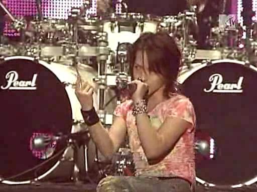 [MF] [TV] 20071114 MTV LIVE - LArc~en~Ciel in KOREA Vlcsnap-10507662