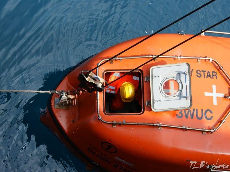 [Hình ảnh] Thực tập hạ xuồng cứu sinh 036