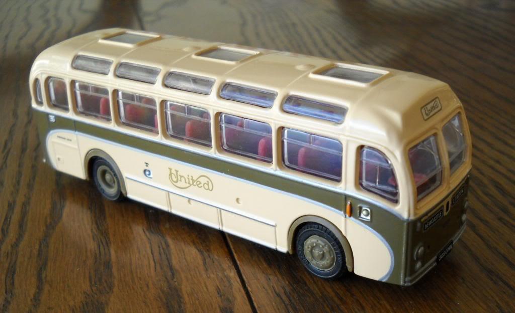 Mis Buses HO 1/87 DSCN1300_zps82268773