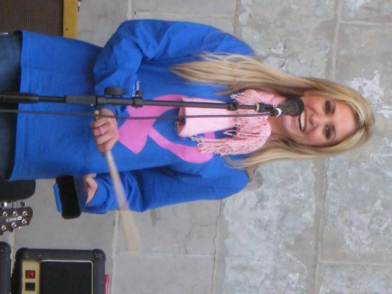 Kelly to perform in NYC's Breast Cancer Walk · Oct 19, 2008 IMG_0031