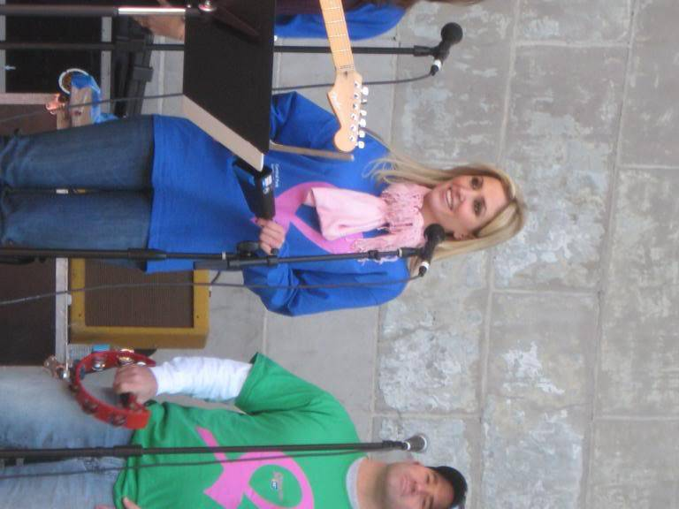 Kelly to perform in NYC's Breast Cancer Walk · Oct 19, 2008 IMG_0065