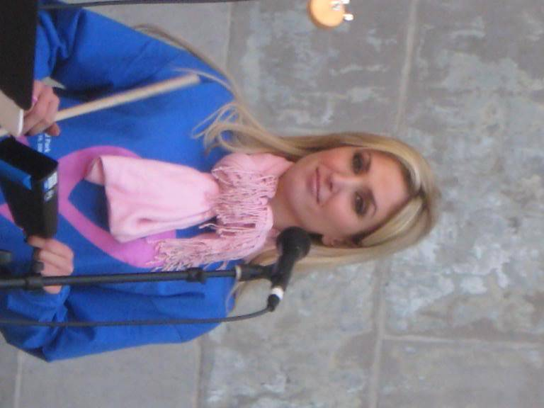 Kelly to perform in NYC's Breast Cancer Walk · Oct 19, 2008 IMG_0066