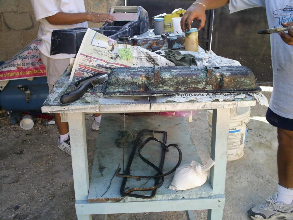 Pintando tapas de punterias y Portafiltro de aire S4023254