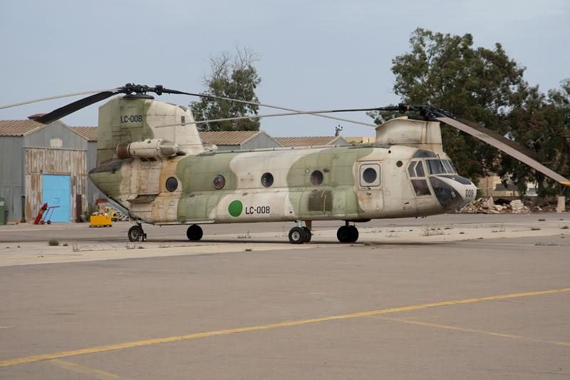 الجيش الليبي LibyaOct29-3107ChinookLC008
