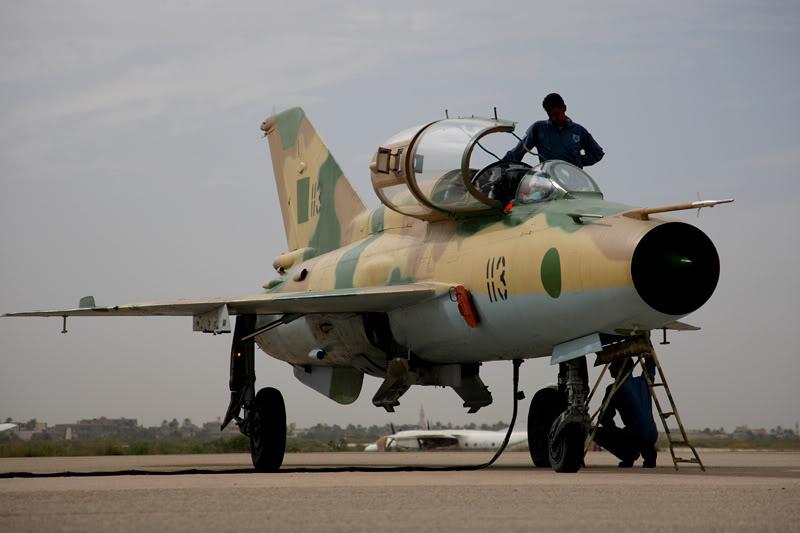 الجيش الليبي LibyaOct29-3107MiG-21UMcrewingup