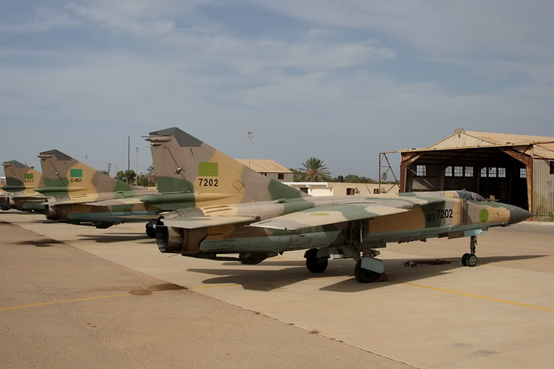 الجيش الليبي LibyaOct29-3107MiG-23MLFltline2