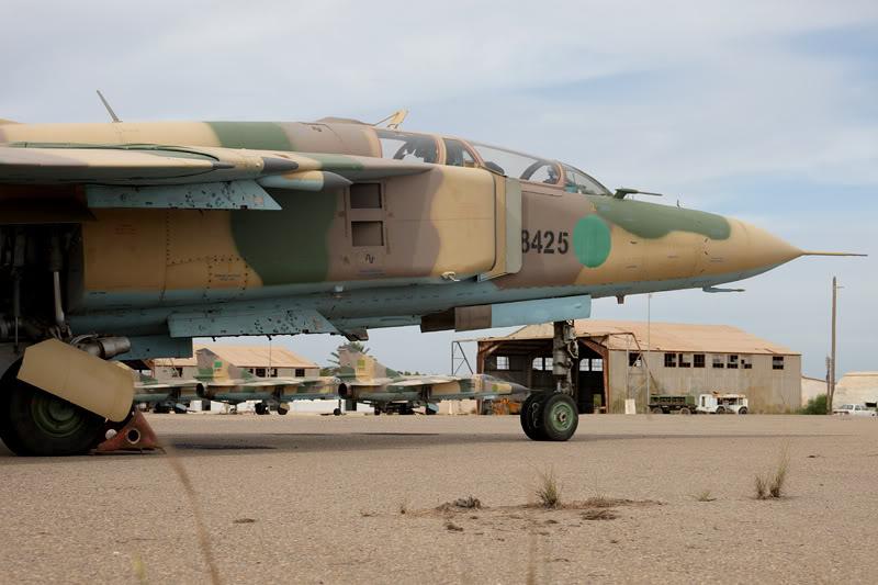 الجيش الليبي LibyaOct29-3107MiG-23UM8425