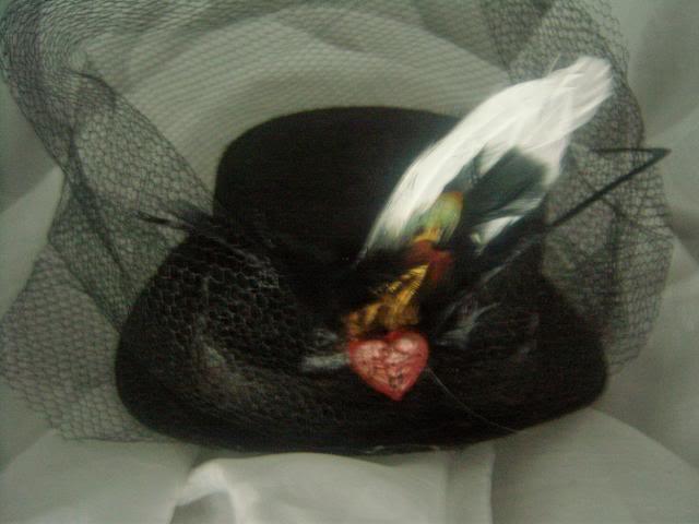 Fascinating Mini Top Hat Fascinators 100_5221
