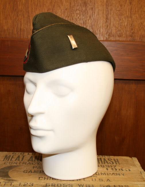 Tenue de soirée troupe 82ème airborne Offr-AB-Cap-Left