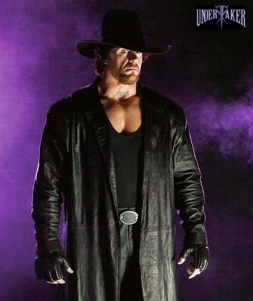 صور المصارعين Wwe-undertaker-extended