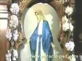 معجزة نزول زيت من صورة السيدة العذراء ببورسعيد Th_flv_000003633