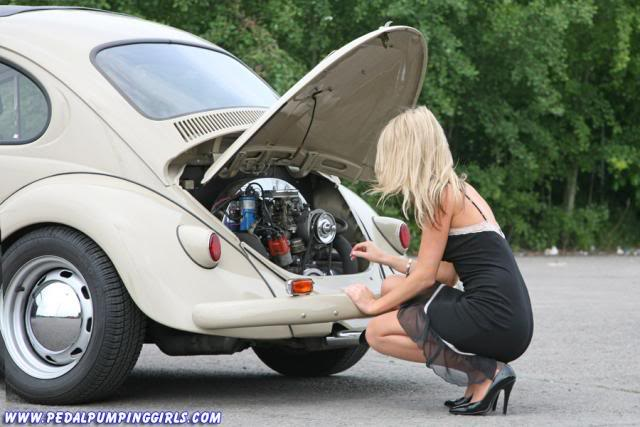 girls with vw's   N.S.F.W - Page 6 Classic_beetle_cranking_with_sto-2