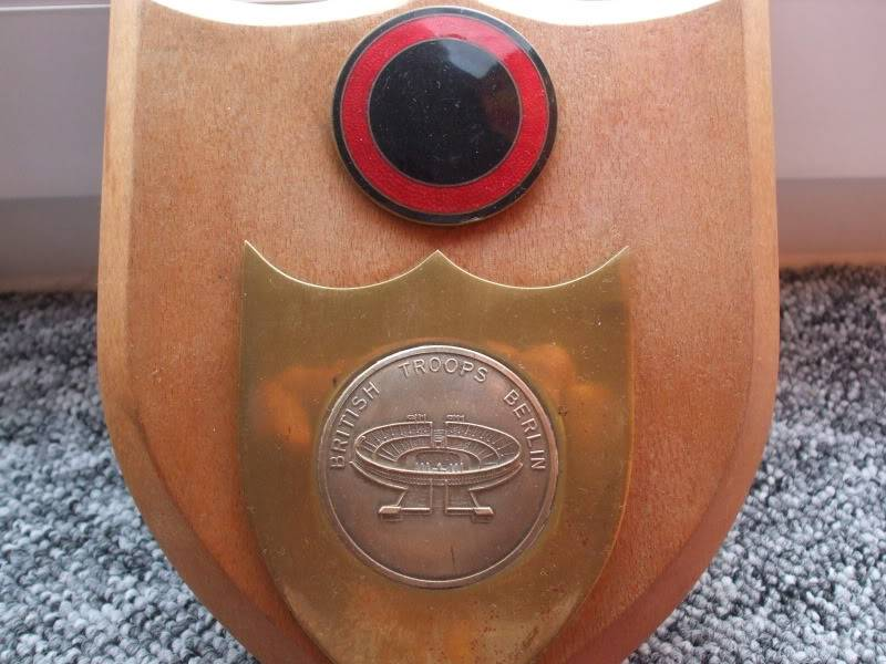 British Troops In Berlin - Bronze medallion DSCF2937