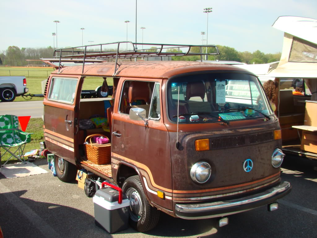 Roof racks--bus DSC01806
