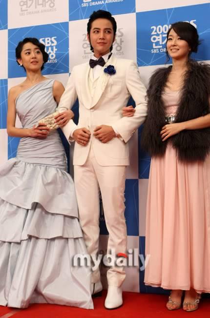 Moon Geun Young tại lễ trao giải SBS Drama Award 2009 2-15