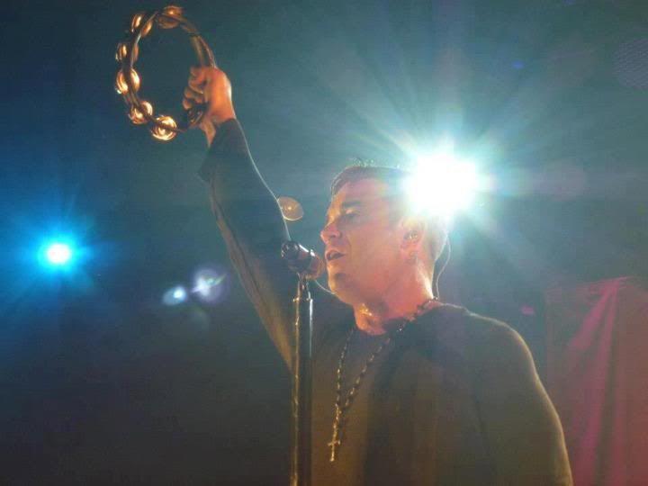 Concert à Dublin, 14/09/2012 285584_228558723938498_1684276255_n