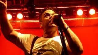 Concert à Dublin, 14/09/2012 390514_381928615213748_1589314717_n