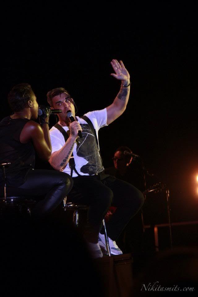 Concert à Dublin, 14/09/2012 391766_4528192765326_757404123_n