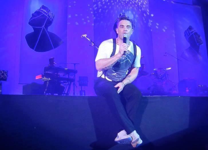 Concert à Dublin, 14/09/2012 408278_280653322034539_562378050_n
