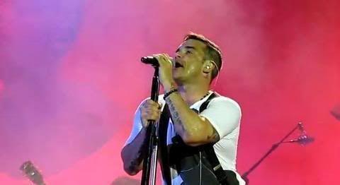 Concert à Dublin, 14/09/2012 419055_381928458547097_969165515_n