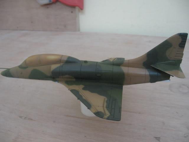 A-4PTM 1/48........PTM(Pakai Tangkap Muat)....kekekeke.....yg ni saya tunjuk sikit mcmane nakairbrush camou IMG_0925