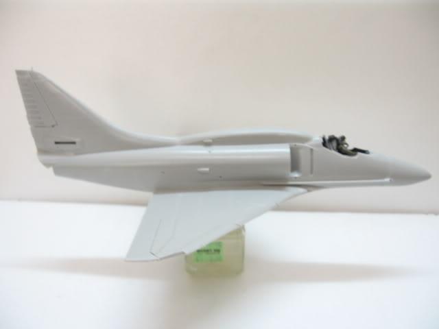 A-4PTM 1/48........PTM(Pakai Tangkap Muat)....kekekeke.....yg ni saya tunjuk sikit mcmane nakairbrush camou IMG_1510