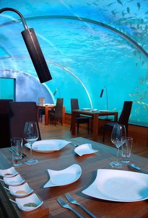 مطعم محمول تحت الماء Attkoh0g1