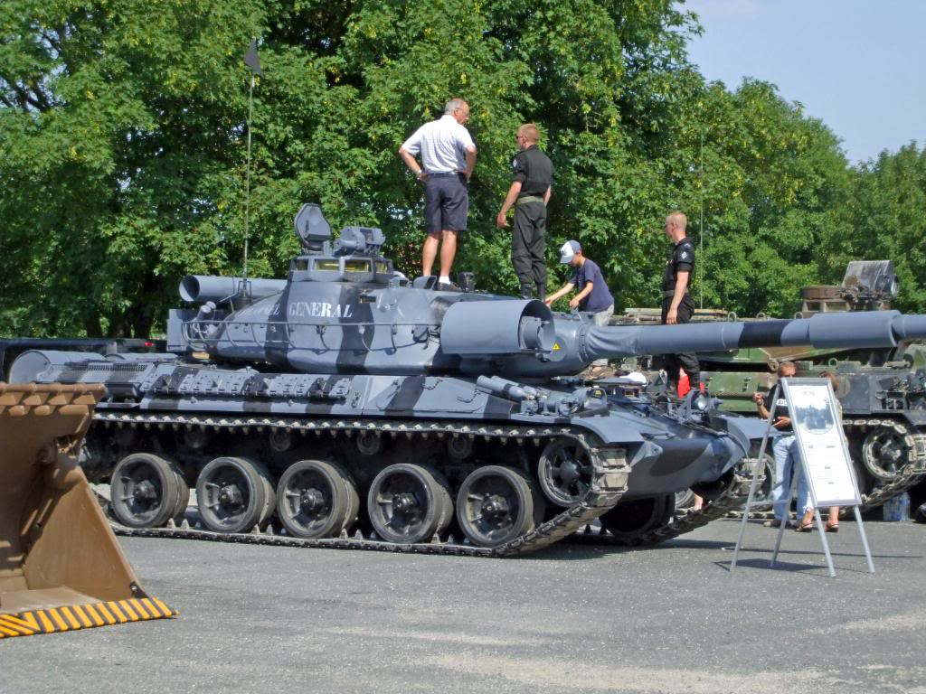 AMX 30 B2  FORAD DSCF4008_edited