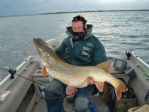 57lb British Record Pike - Page 2 Monsterpike01-1