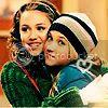Miley i Emily Thhm3lc9