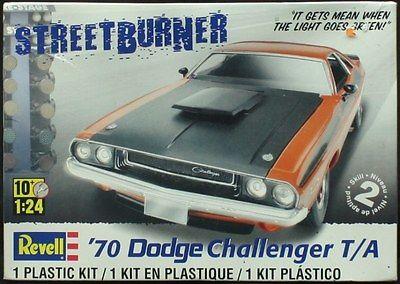 challenger 70 Revell-1-24-street-burner-70s-dodge-challenger-t-a-plastic-car-model-kit-2596-8876b48afb66e423aef350f87c134be7_zpshd3dbary