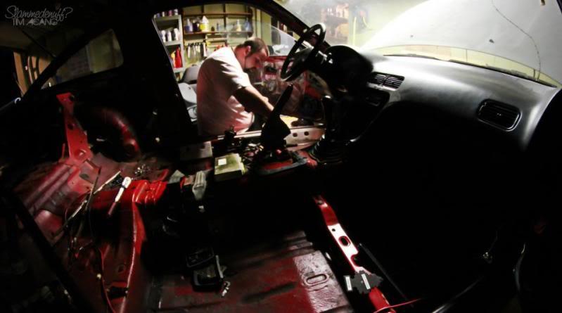 Jimmy's project racecar. Slammedenuffs 91 240sx. 3cbc462d