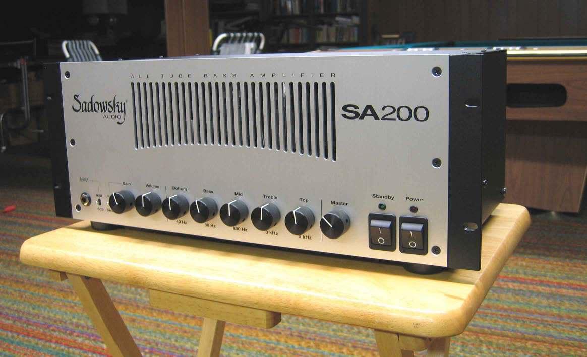 Novo amplificador experimental para contrabaixo 114_1499w