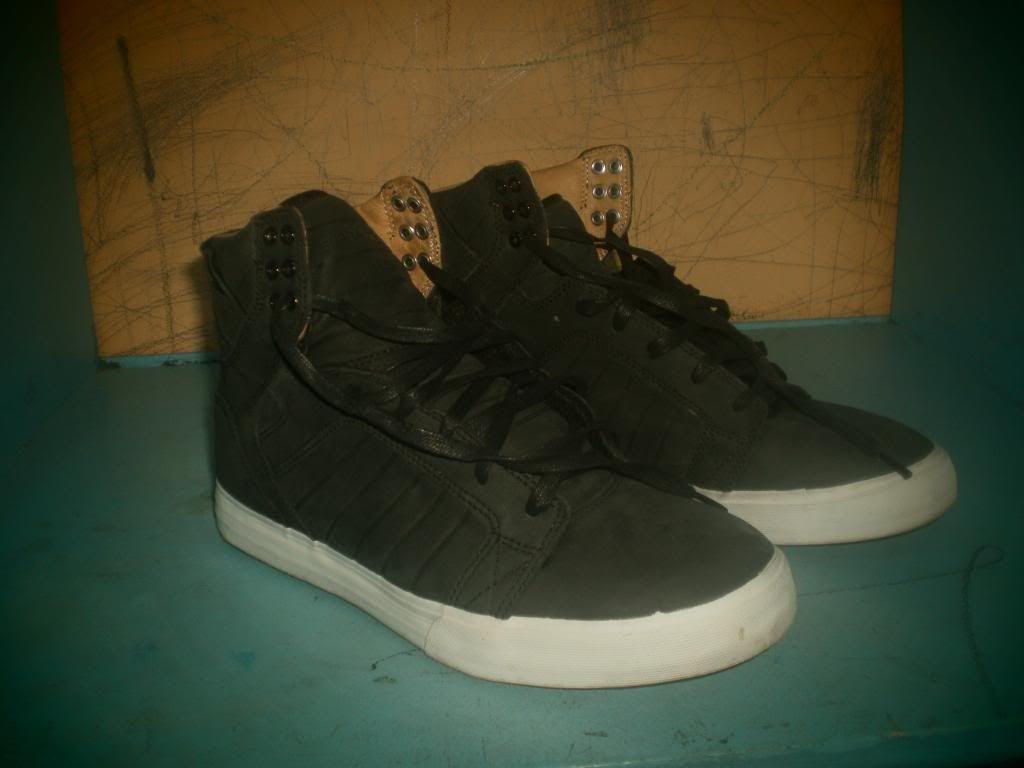 Supra Shoes and Skullcandy headphones PB210009