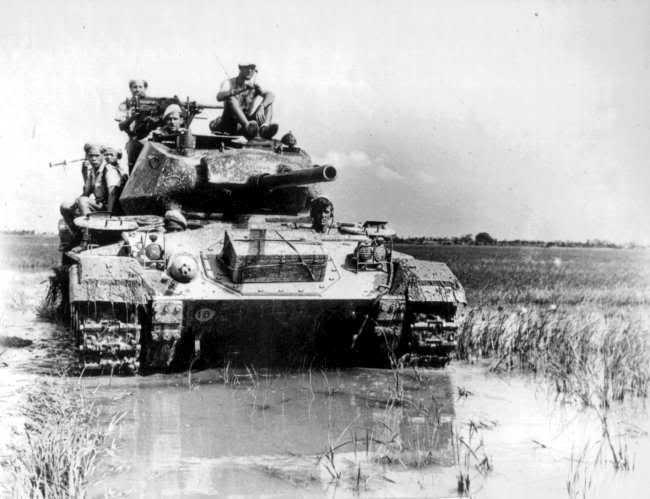 les blindés Fra-M24-Vietnam