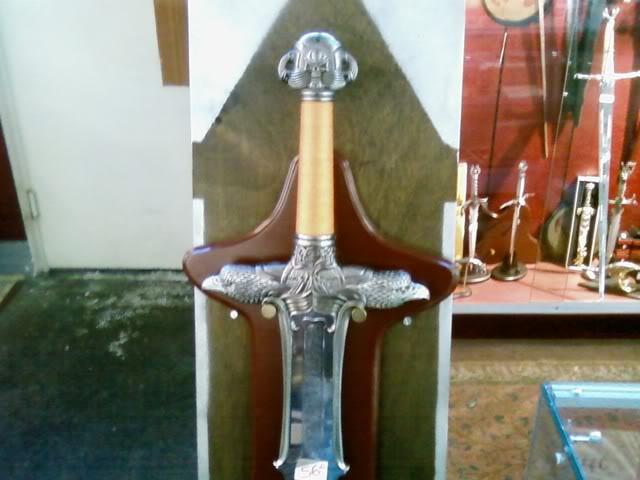 Le point sur les répliques des épées - Page 5 Sword3