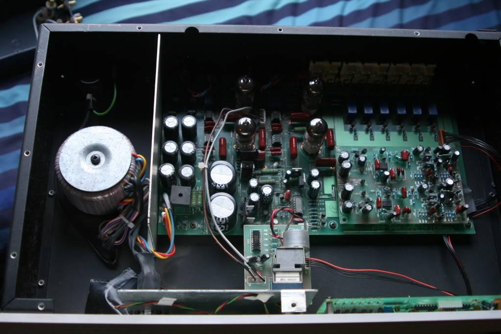 Necesito encontrar manuales e información de Musical Fidelity F19 y F22 MfF22Inside
