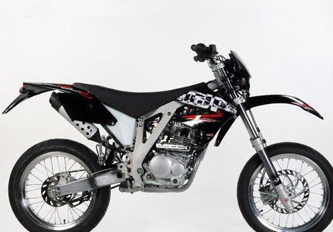 Conheça as motos dos Xutos & Pontapés Ajp