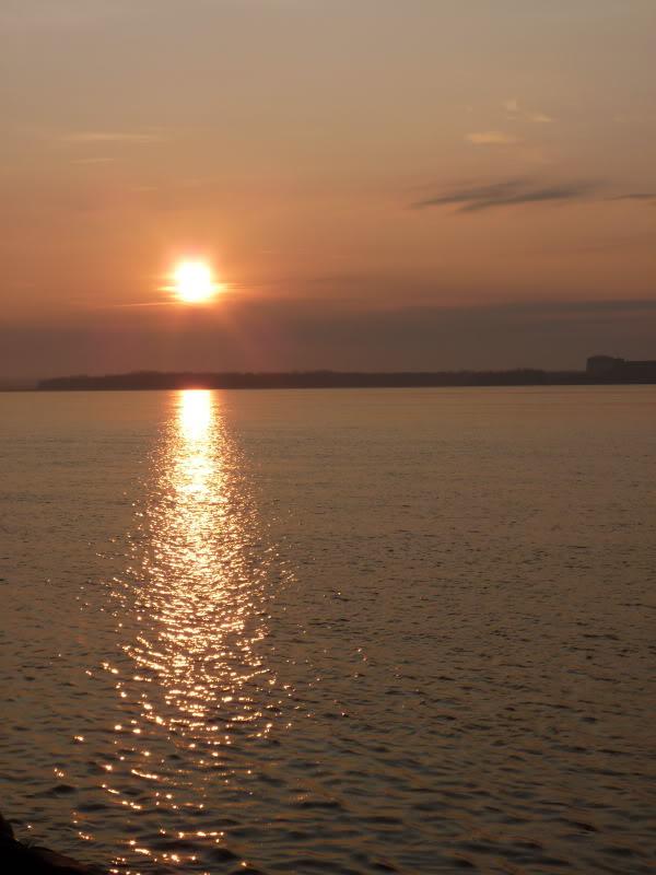 Lever du soleil chez moi ce matin à 5 h. 15.photo Octobre2011138