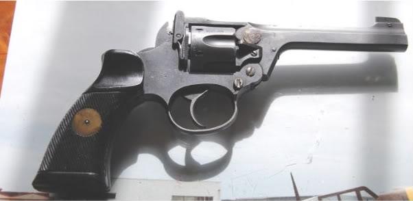 "Revolver Enfield ""commando"" ou ""Tanker"" DSC_0303"