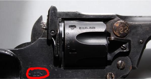 "Revolver Enfield ""commando"" ou ""Tanker"" DSC_0304-1"