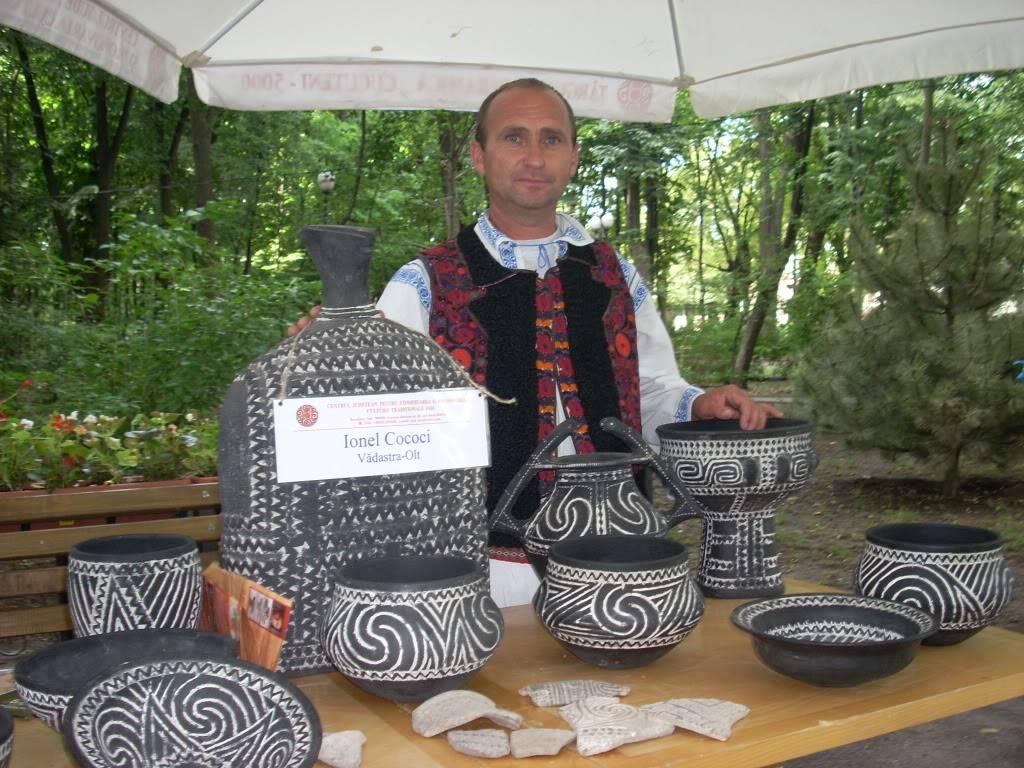 Targul de arta ceramica Cucuteni si al mestesugarilor de la Iasi-1/3 iulie 2011 Cucuteni002